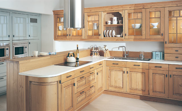 Dante light oak antiqued fitted kitchens kitchen design for Oak kitchen ideas designs